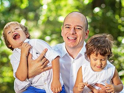 Eduard Boka and his kids